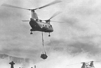 Khe sanh ch 46 taking off for hill