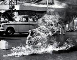 vietname_monk_protest.jpg